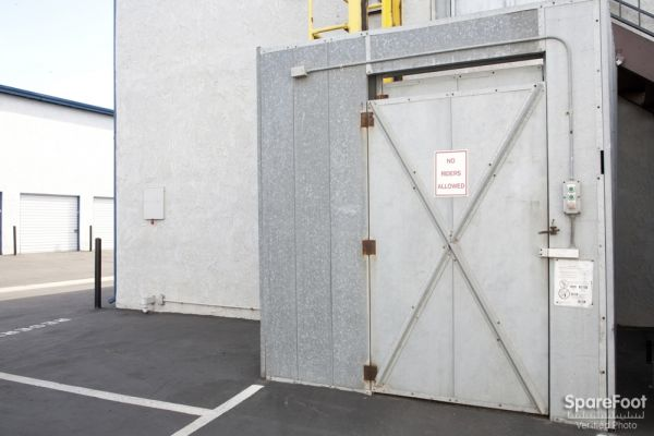 Ayres Self Storage   Huntington Beach Units And Prices | 7012 Ernest Ave In Huntington  Beach, CA 92648