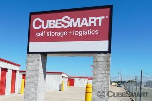 CubeSmart Self Storage - Hutto - 646 West Front Street