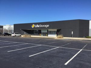 Life Storage - Elgin