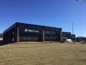 Life Storage   Glenview