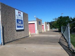 Tri Star Self Storage - Bosque