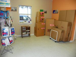 best storage victoria units and prices 3803 north navarro street in victoria tx 77901. Black Bedroom Furniture Sets. Home Design Ideas