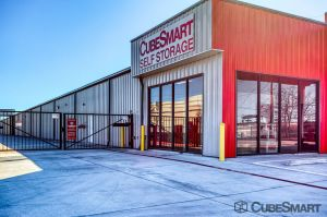 CubeSmart Self Storage - Pasadena - 1503 East Sam Houston Parkway South