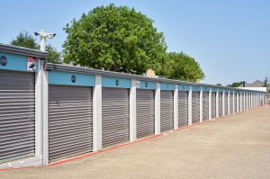 Fort Worth Bargain Storage - 8900 Creek Run Road