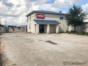CubeSmart Self Storage - Houston - 7705 McHard Rd