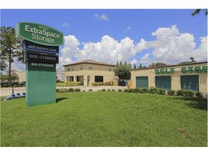 Extra Space Storage - Tampa - W Hillsborough Ave