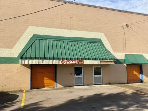 Discount Self Storage - Under Shaws Plaza