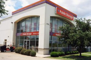 Public Storage - Irving - 1212 E Airport Freeway