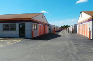 Public Storage - Fort Wayne - 1801 W Coliseum Blvd