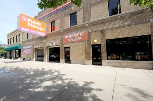 Public Storage - Chicago - 1512 West Jarvis Ave