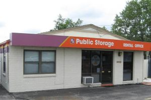 Public Storage - Wichita - 1930 S Woodlawn Street