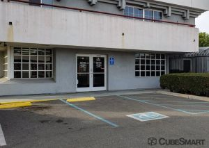 CubeSmart Self Storage - Long Beach - 2323 E. South St.