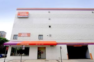 Public Storage - Chicago - 1129 N Wells Street