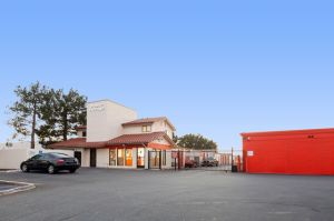 Public Storage - Santa Ana - 400 S Grand Ave