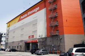 Public Storage - Los Angeles - 300 Avery St