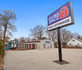 Store Space Self Storage - 1019