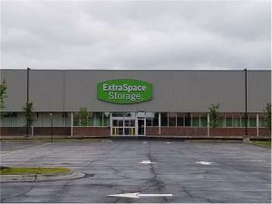 Extra Space Storage - Chicago - 106th St