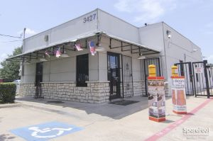 Access Self Storage - Oak Cliff