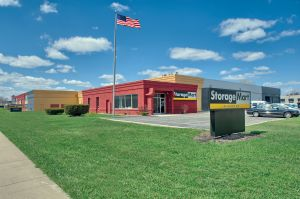 StorageMart - North Ave I-355